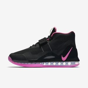 NIKE AIRFORCE MAX IN WOMENS 9.5